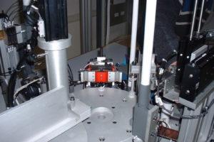 Particolare macchina dosaggio siringhe-1
